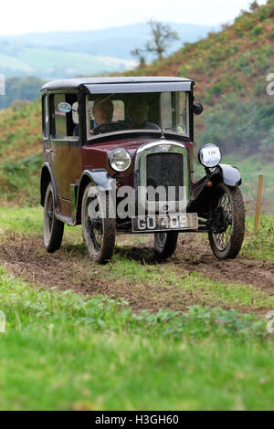 Badlands Farm, Kinnerton, Powys, Wales, UK - Saturday 8th October 2016 - Competitors in a 1929 Austin 7 Saloon take - Stock Photo