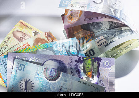 The Bank of England is set to release its new plastic Five Pound (£5) notes tomorrow (13Sep16). The new banknote - Stock Photo
