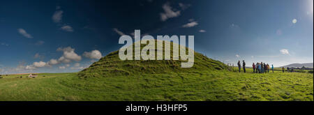 Maeshowe Neolithic chambered cairn on Mainland, Orkney, Scotland, UK - Stock Photo