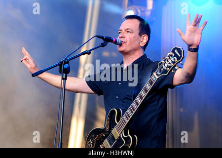 BARCELONA - MAY 30: The Wedding Present (band) performs at Arc de Triomf for free on May 30, 2012 in Barcelona, - Stock Photo