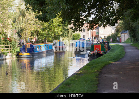 Kennet and Avon canal, Bradford on Avon, Wiltshire, Wngland - Stock Photo