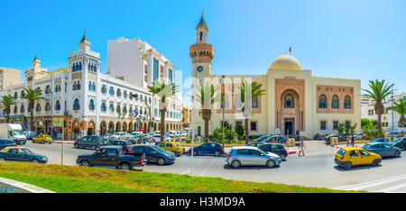 The crowded Republic square with the view on the Town hall and archaeological museum in Sfax. - Stock Photo