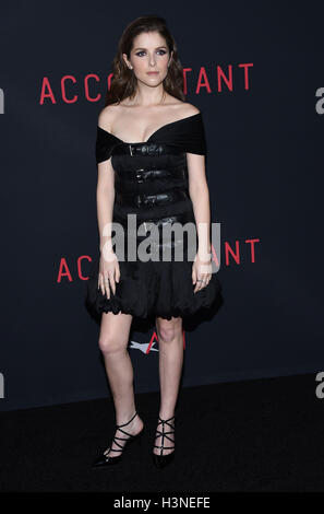 Hollywood, California, USA. 10th Oct, 2016. Anna Kendrick arrives for the premiere of the film 'The Accountant' - Stock Photo