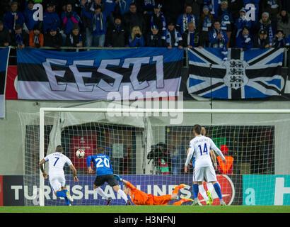 Tallinn, Estonia, 10th October 2016. Estonia's goal keeper Mihkel Aksalu (C) take the second score of the game during - Stock Photo