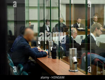 Berlin, Germany. 11th Oct, 2016.Ali D. (B-R) stands accused of allegedly participating in a terrorist organisation - Stock Photo