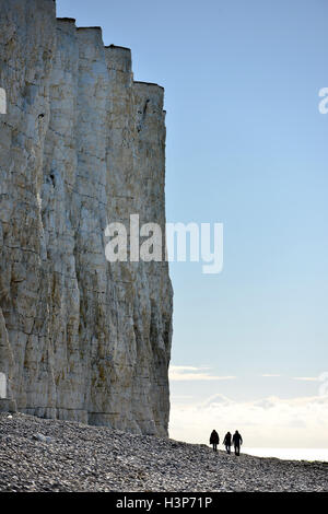 Chalk cliffs at the Sussex Coast near Beachy Head, Eastbourne, dwarf sightseers - Stock Photo