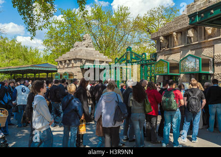 BERLIN, GERMANY - APRIL 2, 2008: Tourists stand in line to get into the city zoo - Stock Photo