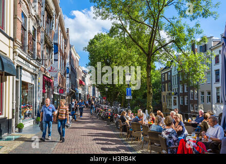 Cafes and bars alongside the Oudegracht (Old Canal) in the city centre, Utrecht, Netherlands - Stock Photo