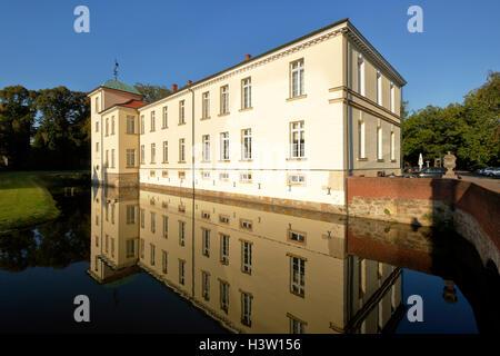 Wasserschloss Westerholt, Altes Dorf Westerholt in Herten-Westerholt, Ruhrgebiet, Nordrhein-Westfalen - Stock Photo