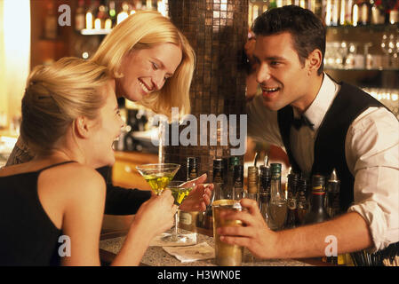Locally, barkeepers, counter, women, young, happy, flirtation, conversation, women, bar, bar, go out, drink fun, - Stock Photo