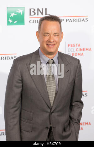 Rome, Italy. 13th October, 2016. Tom Hanks at the photocall of the film festival 2016 on the occasion of his participation as a guest to 'Close Encounters' Credit:  Luigi de Pompeis/Alamy Live News