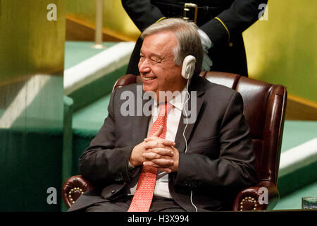 New York, USA. 13th October, 2016. The United Nations General Assembly appoints Portugal's former Prime Minister - Stock Photo