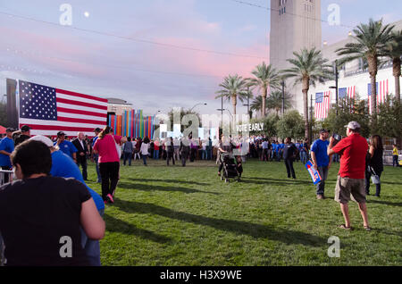 Las Vegas, Nevada, USA. 12th October, 2016. The crowd gathers for a get out the vote rally on October 16th 2016 - Stock Photo