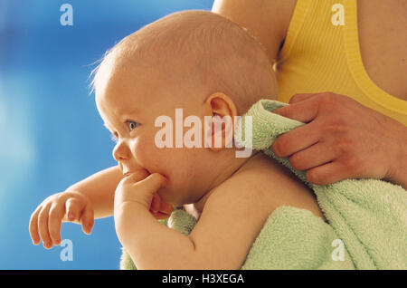 Nut, detail, baby, hold, dry up, curled woman, young, maternity, care, baby care, care, child, 6 months, smile, - Stock Photo