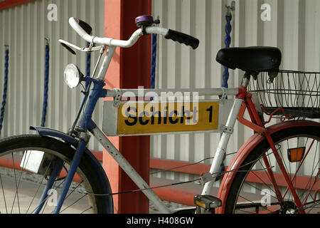 Lord's bicycle, sign, label, 'layer 1', company bicycle, bicycle, radian, old, pillar, hingekettet, closely, barred, - Stock Photo
