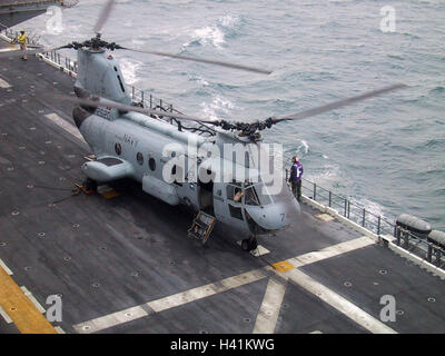 28th January 2003 Operation Enduring Freedom: a CH-46D/E Sea Knight helicopter on the USS Nassau, in the Persian - Stock Photo