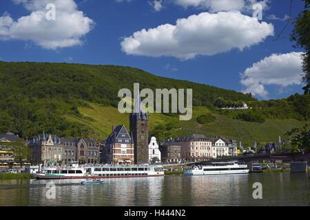 Germany, Rhineland-Palatinate, Moselle valley, Bernkastel-Kues, the Moselle, tourboats, - Stock Photo
