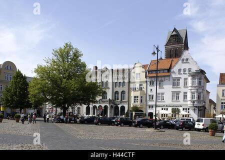 Germany, Mecklenburg-West Pomerania, Wismar, marketplace, gabled houses, - Stock Photo