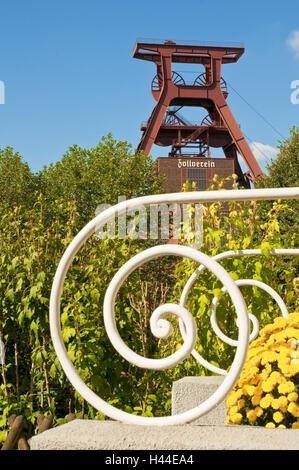 Headframe, mine 12 World Heritage Zollverein, Essen, North Rhine-Westphalia, Germany, - Stock Photo