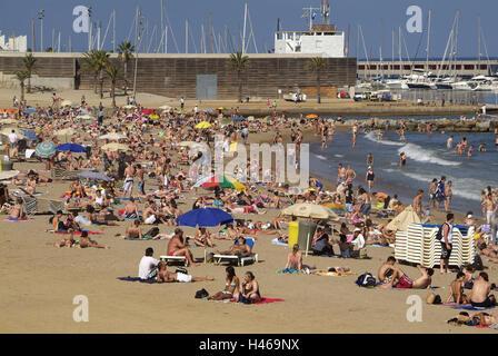 Spain, Catalonia, Barcelona, La Barceloneta, Platja de Barceloneta, beach scene, sea, - Stock Photo