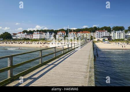 Pier, Baltic Sea resort of Bansin, Usedom, Mecklenburg Western Pomerania, Germany