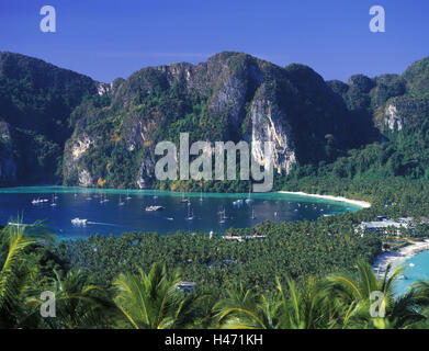 Thailand, Phi Phi Iceland, island Phi Phi Don, tone Sai Bay, view from the View Point, - Stock Photo