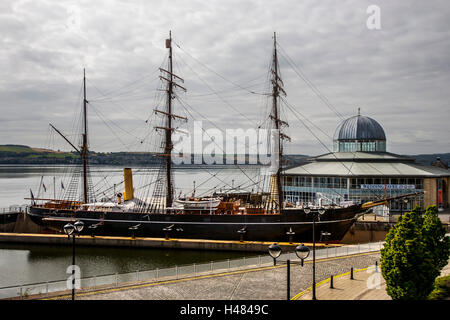 Vintage Royal Research ship RRS Discovery moored in Dundee on the River Tay, Scotland, UK - Stock Photo