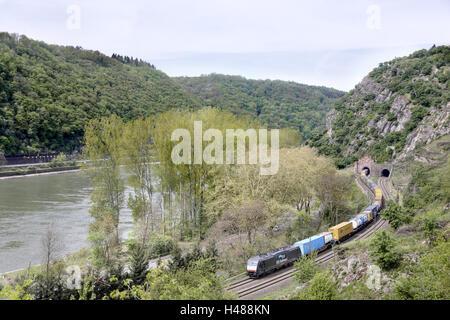 Germany, Rhineland-Palatinate, Loreley, the Rhine, St. Goarshausen, train, tunnel, - Stock Photo
