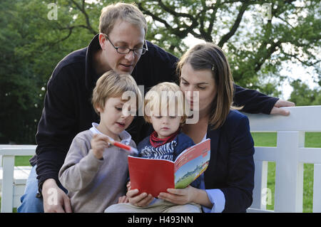 Dresden, family loosens the town riddle,