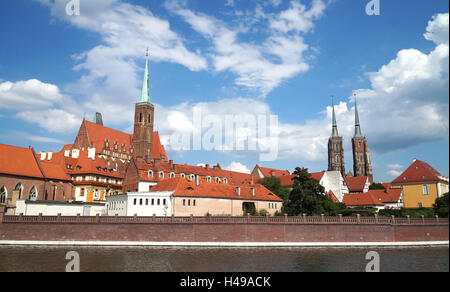 View over the river Oder to the Cathedral Island. Ostrow Tumski. Wroclaw, Poland. - Stock Photo