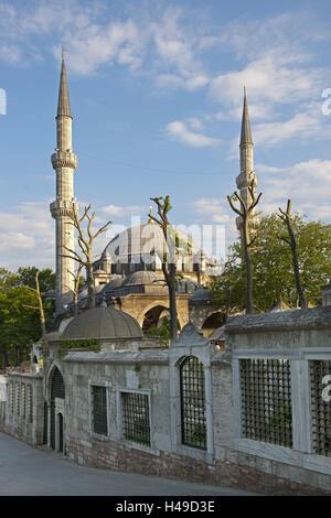 Turkey, Istanbul, Eyüp, Eyüp sultan mosque and gravestones in the cemetery, - Stock Photo