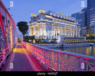 Anderson Bridge, Fullerton hotel, Financial District, Marina Bay, Singapore, - Stock Photo