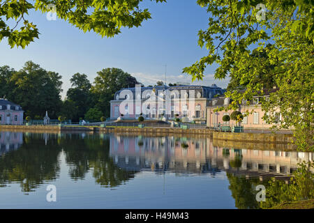 Germany, Rhineland, Dusseldorf, Benrath Palace, castle pond, - Stock Photo