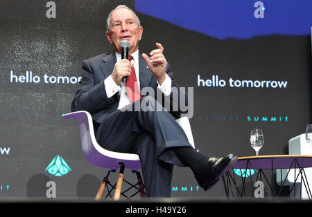 Paris, France. 14th October, 2016. Michael Bloomberg, CEO of Bloomberg L.P., delivers a speech to technology entrepreneurs - Stock Photo