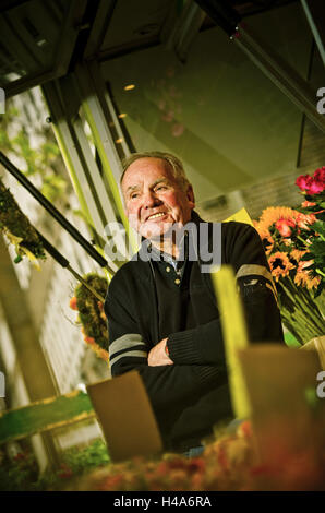 Germany, Hamburg, flower market, flower stall, owner, - Stock Photo