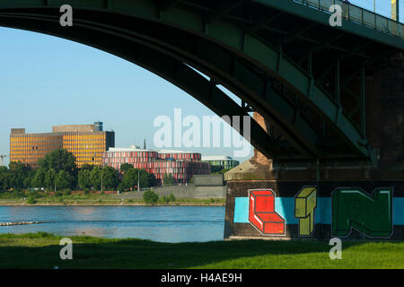 Germany, North Rhine-Westphalia, Cologne, view by the south bridge on the former central office of the bundle association - Stock Photo