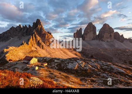 Europe, Italy, South Tyrol, the Dolomites, Tre Cime di Lavaredo, Paternkofel, Dreizinnenhütte - Stock Photo