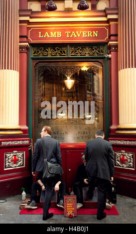 Architecture, city, Leadenhall, market, shoe polisher - Stock Photo