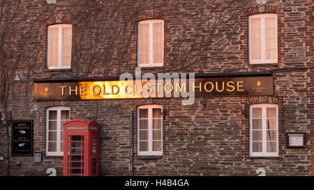 Early morning sunshine illuminating the Old Custom House in Padstow, Cornwall, England. - Stock Photo