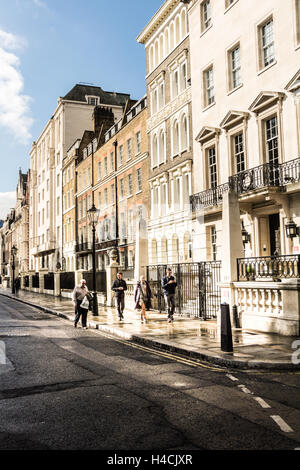 Buildings surrounding Lincoln's Inn Fields, the largest public square in London. - Stock Photo