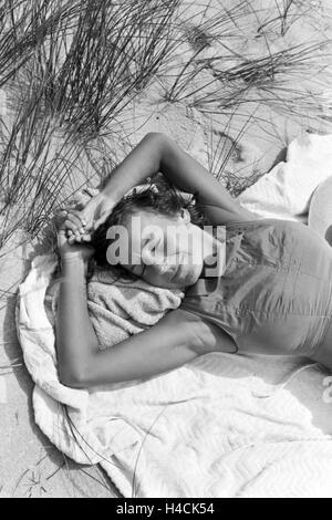 Die berühmte Tänzerin Gret Palucca während Ihrem Sommerurlaub auf Sylt, Deutsches Reich 1930er Jahre. The popular - Stock Photo