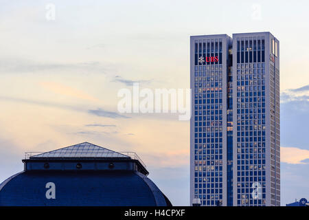 Europe, Germany, Hessen, Frankfurt, bank fourth with the opera tower and the vault roof the stock exchange in the - Stock Photo