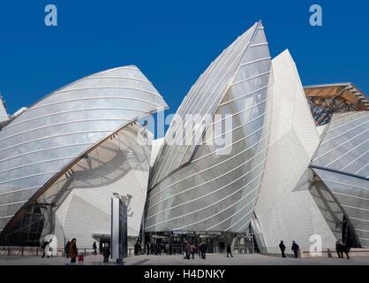 Scenic view of Louis Vuitton Foundation Art Museum Paris France Stock Photo