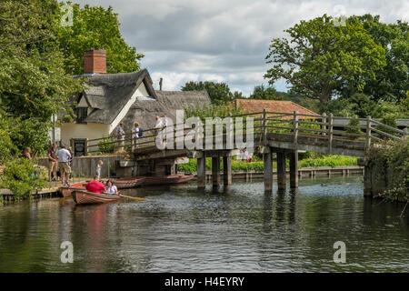 River Stour and Bridge, Flatford, Suffolk, England - Stock Photo