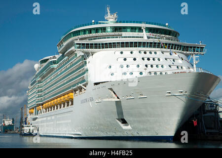 Cruise ship Navigator of the Seas at the City Cruise Terminal at Southampton before leaving on her latest cruise - Stock Photo