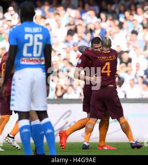 Naples. 15th Oct, 2016. Roma's Edin Dzeko (2nd R) celebrates with teammates during the Italian Serie A football - Stock Photo