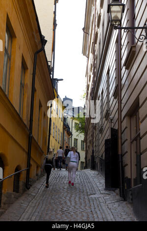 Gamla Stan (or Old Town) is a charming labyrinth of winding Stock Photo, Roya...