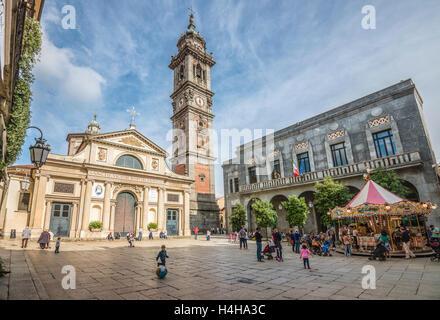 Piazza San Vittore, Varese, Italy | Piazza San Vittore, Varese, Italien - Stock Photo