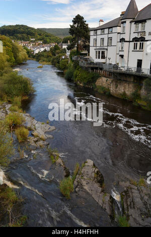 River Dee flowing through the North East Welsh town of Llangollen, a popular tourist destination. - Stock Photo