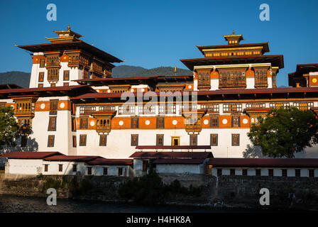 Punakha Dzong, a huge fortress monastery and administrative building in Bhutan - Stock Photo